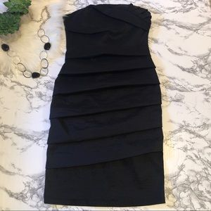 Forever 21 Black Strapless Dress size S